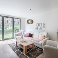 New apt with parking, garden and rooftop terrace!