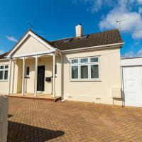 Beautiful Three Bedroom Detached Chalet in Southend-on-Sea