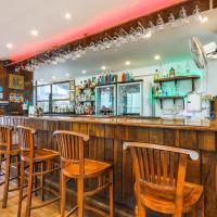 FabExpress Barday's Inn