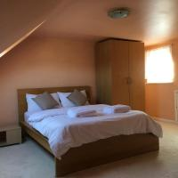 SPACIOUS EN-SUITE DOUBLE ROOM