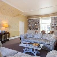 Quintessentially English 3bed house, Chelsea