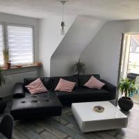 Moderne, neu renovierte Maisonette-Wohnung mit Balkon
