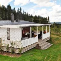 Four-Bedroom Holiday home in Gräsmark