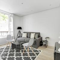Pick A Flat's Apartment rue des Pyrénées/ in Menilmontan