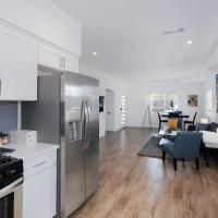 Brand New 3 Bedroom Home In The Heart of LA - Gourmet kitchen and Private Patio