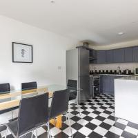 Lovely 3-bed house in Brixton near Clapham Common