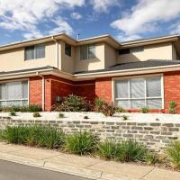 Huge Luxury Home for Groups near Chadstone & Monash