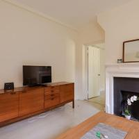 Stylish 1BR Apt by River Thames by GuestReady