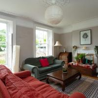 Central 4 Bed House in the Best Square in Bristol