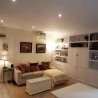Cosy Central 1 Bedroom Flat with Shared Roof Terrace & Gym