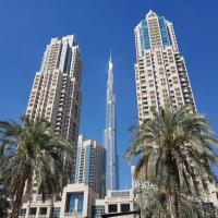 Signature Holiday Homes- Luxury 2 BHK with full Burj Khalifa & Fountain View,