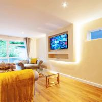 Luxury 3 Bed City-Centre House + Free Parking On Drive In Private Park Est.