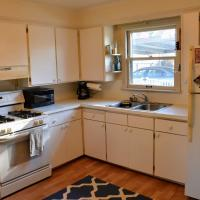 Lovely and quiet Royal Oak house near downtown and freeways