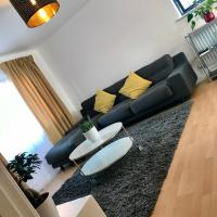 LONDON CITY HOMESTAY. 3 BEDROOM APARTMENT