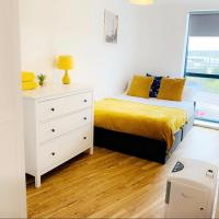 2 bed 2 baths near the Armouries Leeds