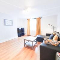 Spacious and lovely apartment near Oval