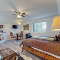 Bluehouse: Woodpecker Room