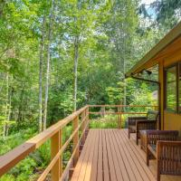 Sleeping Raven Woodland Retreat