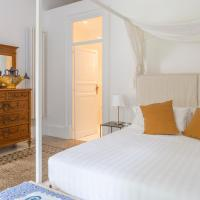 Garden Suite in private villa on Via Libertà