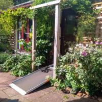Disabled Access, 1 bedroom garden flat (sleeps 3)