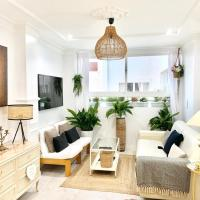 Stay in a Stylish flat in front of the Marina