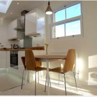 Modern Top Floor Apartment in Blackheath