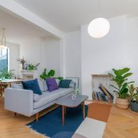 Minimalist 3BR Home in East London by GuestReady