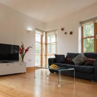 Lovely 2 Bedroom Flat in Excellent Location