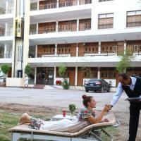 Rezeiky Hotel & Camp