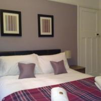Stratford Upon Avon Holiday Home - Private Parking, easy walk to Town
