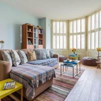 Charming 3BR Garden Flat In SW London