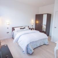 One bed split level apartment