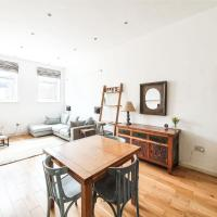 Modern & Bright flat in East London, for 4