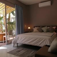 Habitación cómoda, excelente ubicación, ven a relajarte junto a la piscina