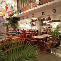 Fun Cafe & Hostel Bangkok