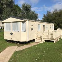 Modern 8 Berth Caravan, Dog Friendly, Sleeps 6-8, Shanklin, Isle of Wight