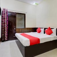 OYO 46629 Hotel Anmol Palace, hotel in Sikandra