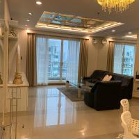 Spacious 2BR-Condo for 4 Guests in Huai Khwang
