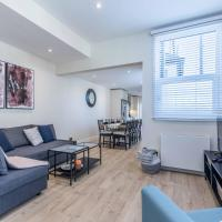 THE WHITE HOUSE - Stylish home in central Windsor