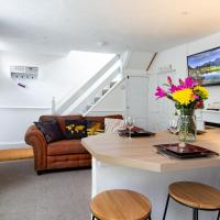 Modern Quirky Exeter City Cottage
