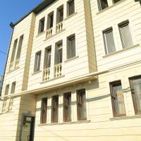 Luxury 5 bedroom Property in the centre