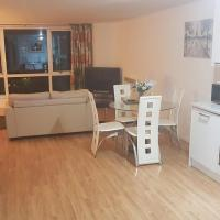Delightful City Centre 1 Bedroom Apartment with onsite Car Parking