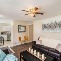 Adorable ranch home minutes from the airport