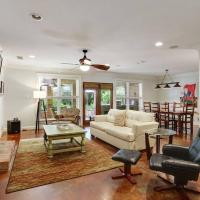 Garden District Spacious Home w Gated Parking