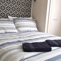 (31DD-12)31 Denman Drive (Dreams Serviced Accommodations-Sunbury/Heathrow)