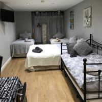 Studio apartment sleeps unto 6 people