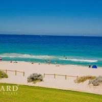 Scarborough Beach, Perth - Sun & Surf Villa