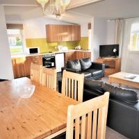 Kendal Gold Chalet + Hot Tub @ Solway Holiday Village