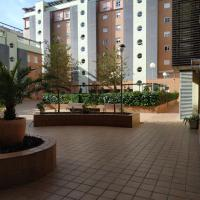 Apartamento Tres dormitorios PARKING GRATIS 4 minutos airport
