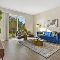 Lovely and Sparkly Condo in Oakbrook OAK17